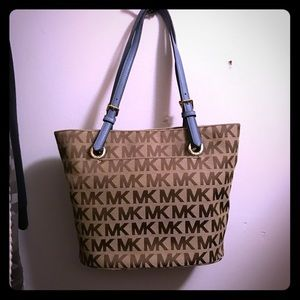 Michael Kors bucket purse New